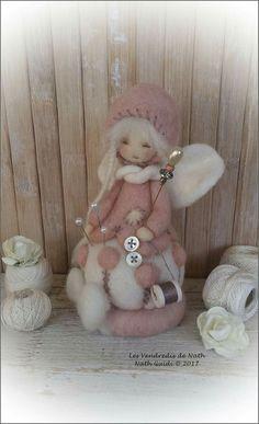 white and grey palette hanging Christmas decorations, sewing crafty Christmas ideas Wet Felting, Needle Felting, Wool Felt Fabric, Deco Kids, Sock Toys, Felt Fairy, Etsy Christmas, Waldorf Dolls, Fairy Dolls