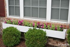 On Monday I shared the window box Brad and I recently built to add curb appeal to our house.  Today I m sharing how to make a window box so you can hopefully build one (or more) for your home. <img class=aligncenter size-full wp-image-7011 src=http://www.twotwentyone.net/wp-content/uploads/2014/05/how-to-make-a-window-box-1.