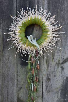 Fusion Flowers magazine - Iza Tkaczyk, OTRĘBA Poland sent in this entry for the Fusion Flowers magazine winter/Christmas wreath.