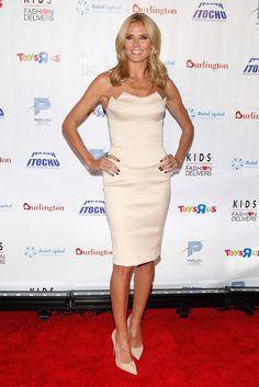 Heidi Klum wearing Christian Louboutin So Kate Pumps and Zac Posen Resort 2015