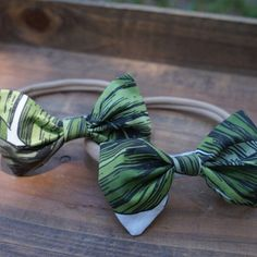 Palm leaf nylon headbands make the perfect accessory for your little lady's tropical style!