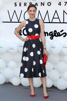 The night of Poppy Delevingne and Eugenia Silva Simple Dresses, Beautiful Dresses, Casual Dresses, Summer Dresses, Poppy Delevingne, Winter Typ, Dots Fashion, Colorblock Dress, Look Chic