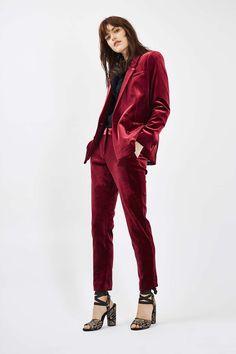 NEW 2017 Burgundy Velvet ladies office uniform pant suits for women business suits 2 piece set women tuxedo designs Custom Formal Suits For Women, Blazers For Women, Suits Women, Suit Fashion, Look Fashion, Fashion Outfits, Velvet Fashion, Woman Outfits, Grunge Outfits