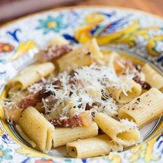 Before the #amatriciana there was PASTA ALLA GRICIA #pasta #italianfood #lazio #abruzzo #guanciale #instafood #recipe link in bio