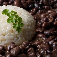 Cuban moros y cristianos; no other dish represents the Cuban cuisine better than this one!