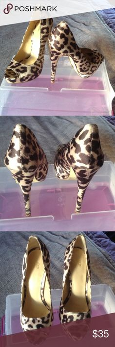 """Leopard fabric peep toe pumps Perfect spring shoe! 5"""" Worn a handful of times Victoria's Secret Shoes Heels"""