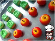 Doces modelados, Shaped candy, Sweet, Leite em pó, Leite Ninho. Pagina: Monike Doces Artesanais Tema: Dia dos professores, maça e livro