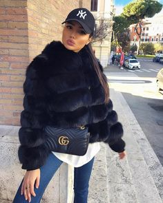 Watch and command live girls for free on FreeBestCams . Fur Fashion, Winter Fashion Outfits, Fall Winter Outfits, Autumn Winter Fashion, Womens Fashion, Luxury Fashion, Mode Outfits, Casual Outfits, Black Fur Coat
