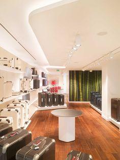 Rimowa flagship store - Paris, France - Client: Rimowa - Architectural and lighting project: Atelier Oï. - Lighting products: iShop, Reflex COB, Pixel Pro, iSight e Underscore by iGuzzini Illuminazione - Photos: Roland Halbe #iGuzzini #Lighting #Light #Lumière #Licht #Retail