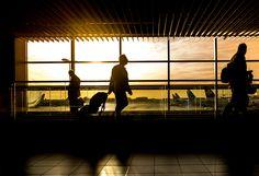 Rogue Drone Pilots Force Shutdown at Gatwick Airport Stranding 100000 Airline Passengers Voyage Usa, Voyage Europe, The Tourist, United Airlines, Voyager C'est Vivre, Travel Destinations, Travel Tips, Travel Hacks, Travel Tourism