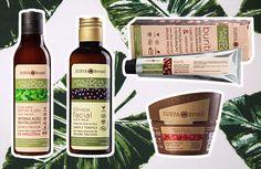 A Surya Brasil é uma marca natural, orgânica (certificada pela Ecocert), vegana (certificada pela The Vegan Awareness Foundation) e Cruelty Free (certificada pelo Peta). Alguns produtos da linha Amazônia Preciosa (da esq. pra dir.): loção pra pernas e pés (R$ 190,12), tônico de limpeza facial (R$ 133,35), máscara capilar Buriti restauradora (R$ 68,59), argila facial (R$ 110,36)