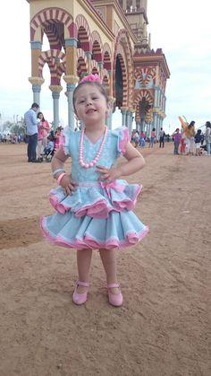 Beatriz Menendez nos cuenta su experiencia de compra en MiBebesito - MiBebesito. Ropa de Bebe y moda flamenca infantil hecha a mano Harajuku, Style, Fashion, Shopping, Shoes, Girls Dresses, Swag, Moda, Fashion Styles