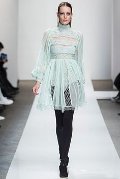 Zimmermann - Fall 2015 Ready-to-Wear - Look 33 of 36