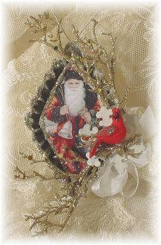 ornament in vintage tart tin
