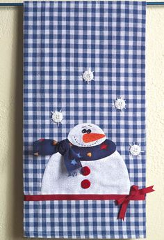 Snowman Tea Towel - Crafts 'n Things Christmas Towels, Christmas Sewing, Christmas Snowman, Snowman Crafts, Christmas Projects, Holiday Crafts, Felt Snowman, Applique Towels, Applique Patterns