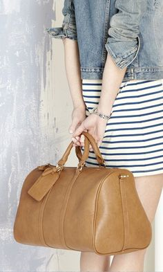 Cognac weekender bag with top handles