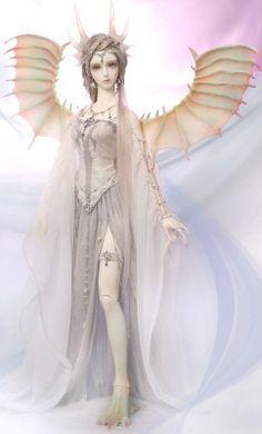 Dragon Queen, I love her wings amd dress!