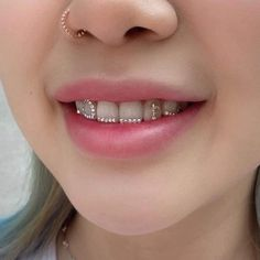 Face Jewellery, Ear Jewelry, Cute Jewelry, Body Jewelry, Jewelery, Jewelry Accessories, Dental Jewelry, Diamond Teeth, Tooth Gem