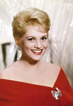 "old-hollywood-stars: ""Judy Holliday Born: Judith Tuvim June 1921 in New York City, New York, USA Died: June 1965 (age in New York City, New York, USA "" Hollywood Stars, Hooray For Hollywood, Golden Age Of Hollywood, Vintage Hollywood, Classic Hollywood, Judy Holliday, Jean Arthur, Classic Actresses, Actors & Actresses"