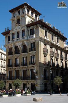 Casa Palacio de Ricardo Angustias, Plaza de Ramales, Madrid Madrid City, Foto Madrid, Beautiful Sites, Beautiful Places, Madrid Metro, Madrid Travel, Spanish Towns, Spanish Architecture, Interesting Buildings