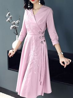 Embroidered tie-waist sleeves A-line dress - pinkEmbroidery Solid Color Sashes Seven-Tenths Sleeves A-Line Dresses Kurta Designs Women, Kurti Neck Designs, Dress Neck Designs, Blouse Designs, Casual Party Dresses, Cute Dresses, Pink Dresses, Wrap Dresses, Pakistani Dresses