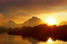 Yellowstone National Park, Wyoming, USA Mount Moran at Sunrise National Park Tours, Grand Teton National Park, National Parks, Yellowstone Vacation, Yellowstone National Park, Beautiful World, Beautiful Places, Beautiful Pictures, Wyoming