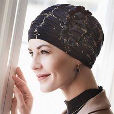 59 € - Le bonnet chimio bambou Calèche offre un bien-être et une douceur pour faire rayonner votre beauté : un bonnet bambou au maintien parfait après une chute de cheveux