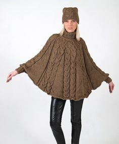 Hand knitted one size poncho and hat set with long door IlzeOfNorway Poncho Sweater, Knitted Poncho, Knitted Bags, Poncho Knitting Patterns, Knit Patterns, Hand Knitting, Crochet Machine, Knitting For Beginners, Digital Pattern