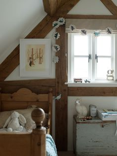 exposed beams or thick planks? The room is bright but has a farmhouse feel thanks to the raw wood. exposed beams or thick planks? The room is bright but has a farmhouse feel thanks to the raw wood Interior, Home, Border Oak, Modern Country, Oak Frame House, Bedroom Inspirations, Modern Country Style, Childrens Bedrooms, Home And Living