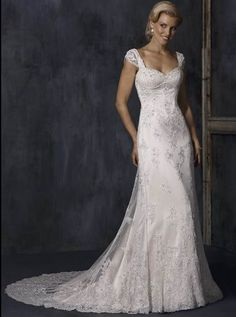 Stunning Straps Cap Style Sleeves Sweetheart Lace Satin Beading Chapel Train Wedding Dress for Brides