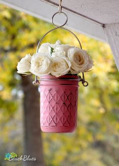 Painted Mason Jars with hangers make ideal gifts! You can use them as planters, or with fresh flowers and water. You can also use them with tea lights