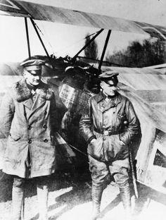 BARON MANFRED VON RICHTHOFEN FIRST WORLD WAR AIR ACE (Q 63162)   Manfred von Richthofen (right) with his brother Lothar who served under him in JG 1, standing in front of a Fokker DR 1.