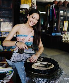 Urassaya Sperbund Thai Fashion, Eva Green, Korean Music, Blackpink Jennie, Asian Style, Girl Pictures, Asian Woman, Hair Makeup, Actresses