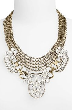 Gorgeous crystal statement necklace http://rstyle.me/n/r22q2n2bn