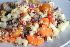 Mi deliciosa ensalada de quinoa es una ensalada fácil y rica, y la quinoa es una supercomida muy nutritiva. La mejor ensalada de quinoa con verduras-- ñom!