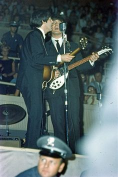 After breaking TV viewing records with their historic appearance on the Ed Sullivan Show in February 1964, the band returned to the states in August, playing sell-out concerts. The collection of 65 slides contain many stage shots...
