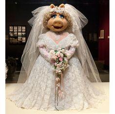 Kermit (your boyfriend), Don't leave Miss Piggy waiting at the altar!