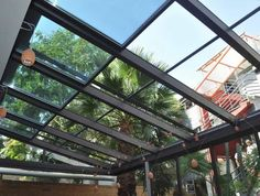 Renowned for its innovative approach and its elegant products, Salinox creates whatever is needed for a projects that involves aluminum and glass. Skylights, Crystals, Glass, Terrace, Drinkware, Side Return, Corning Glass, Crystal, Crystals Minerals