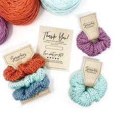 Crochet Hair Accessories, Hair Accessories For Women, Crochet Hair Styles, Crochet Crafts, Crochet Projects, Diy Hair Scrunchies, Knitting Patterns, Crochet Patterns, Crochet For Kids