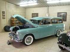 Google Image Result for http://www.sportscardigest.com/wp-content/uploads/P1120158-215-Plymouth-1952-Suburban2-Dr.-Station-Wagon-18185323_1200.jpg