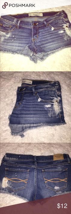 Abercrombie denim shorts So cute daisy dukes Abercrombie & Fitch Shorts Jean Shorts