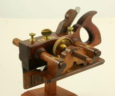 Utterly Magnificent Sandusky No. 140 Rosewood Center Wheel Plow Plane