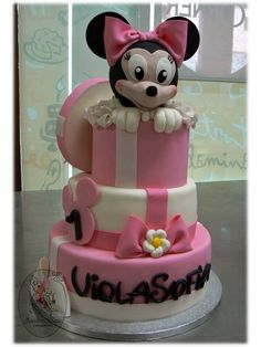 Minnie's cake for a first birthday