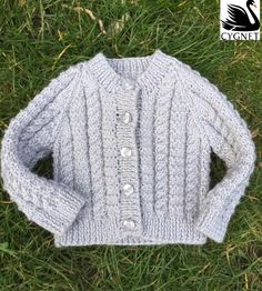 Free Baby Knitting Patterns for 2019 Free baby knitting pattern Free baby cardigan knitting pattern with cables. Baby Knitting Patterns, Baby Cardigan Knitting Pattern Free, Baby Patterns, Free Knitting, Knitting Ideas, Kids Knitting, Blanket Patterns, Baby Boys, Kids Boys
