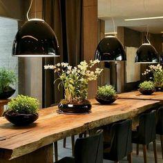 Sala de jantar, rústica e moderna #madeirarustica #saladejantar #decoracao…
