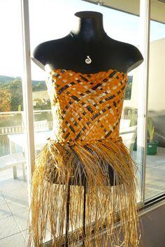Harakeke bodice by Raewyn Hildreth Polynesian Designs, Maori Designs, Flax Weaving, Island Design, Afro Punk, Traditional Dresses, Pageant, Wearable Art, Just In Case