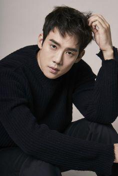 Sunshine as tragic second lead Handsome Korean Actors, Handsome Boys, Yoo Yeon Seok, Park Hae Jin, Romantic Doctor, Korean Star, Hot Asian Men, K Idol, Korean Celebrities