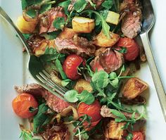 Steak and caramelised onion salad Asda Recipes, Paleo Recipes, Cooking Recipes, Paleo Food, Cooking Ideas, Yummy Recipes, Healthy Food, Steak And Chips