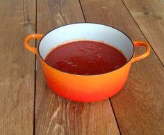 Avant de vivre à Rimouski, nous avons habité dans la Petite-Italie à Montréal. Ma voisine faisait la meilleure sauce tomate, là voilà!  Avec des pâtes et plein de parmesan, c'est délicieux! …