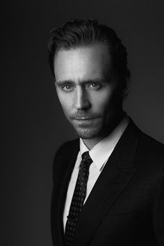 977ad07ee83f24971765a6edd25bbe1b--tom-hiddleston-loki-toms.jpg (736×1102)
